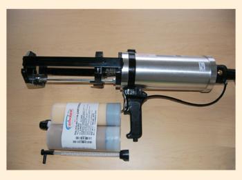 Рис. 2. Ручной пистолет для картриджного нанесения покрытия Polyclad 975
