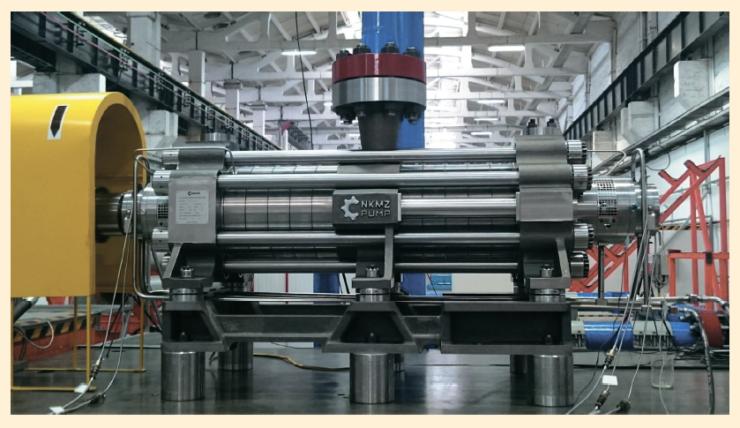 Рис. 3. Насос ЦНС 200-1400 на исследовательском и испытательном комплексе